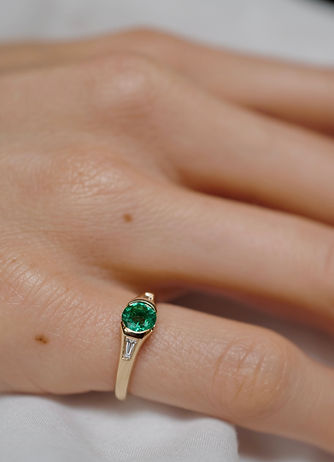 Emerald and Diamond Pinky 2.JPG