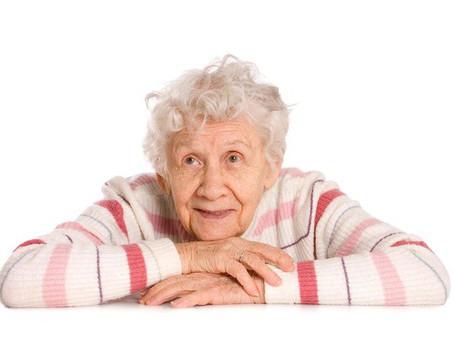Взаимоотношения сиделки и пожилого человека