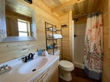 Pinewood Cabin Bathroom