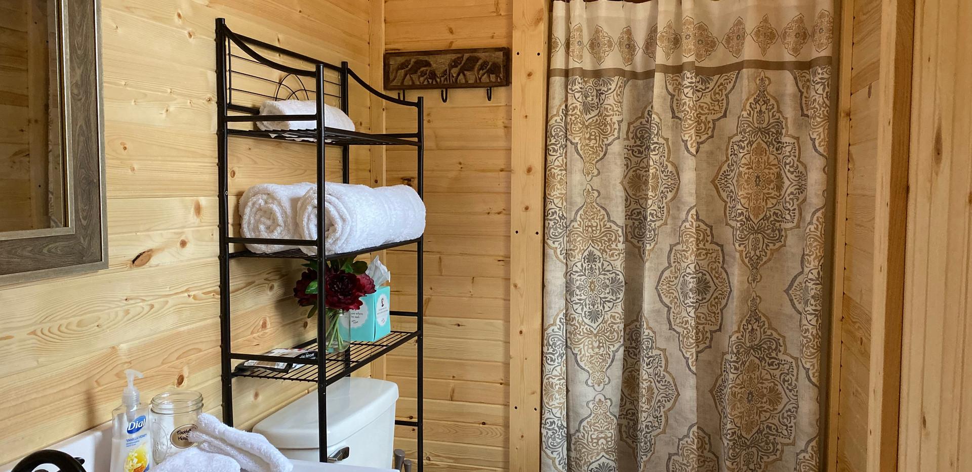Lazy Bear Bathroom/Walk-in Shower