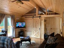 Mountain Breeze Cabin Living Area