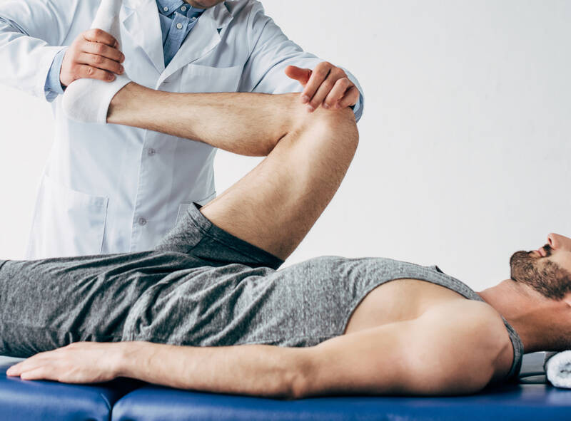 treating sports injuries with physical therapy