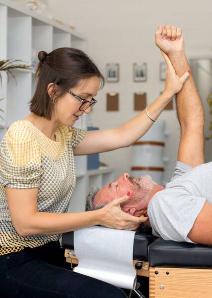 chiropractic adjustment for migraine and headache relief