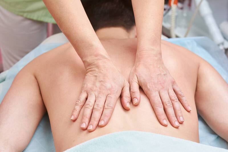 chiropractic treatments that help with back pain