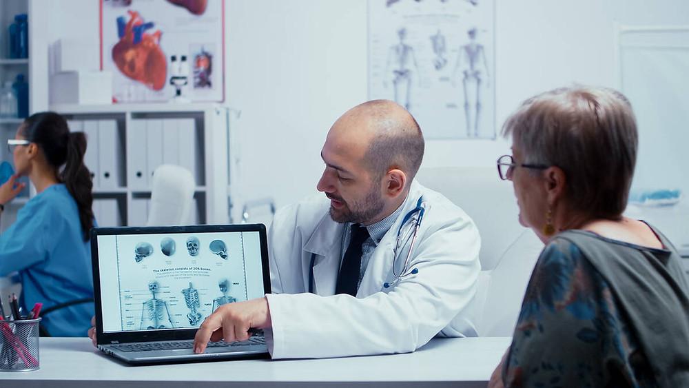 explaining chiropractic manipulations
