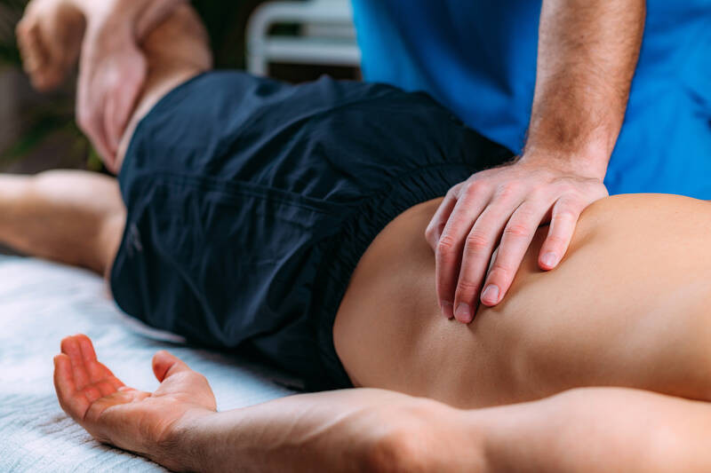 manual manipulation therapy techniques