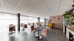 Alezan-Hotel-Residence-Hall-Salle-petit-