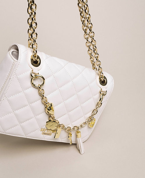 Borsa a tracolla in similpelle con charms