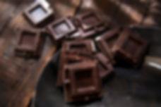 Tammy-Lynn_cubes-of-dark-chocolate-serot
