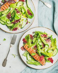 salad-with-grilled-salmon-orange-olives-