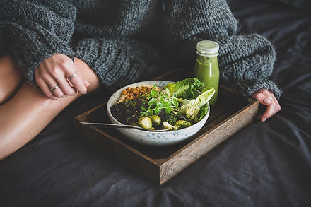 healthy-vegan-bowl-on-tray.jpg