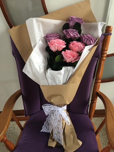 Ramo 8 rosas Premium $195.000.JPG