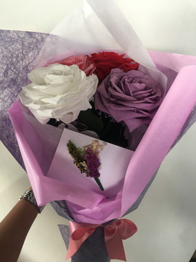 Ramo tres rosas Premium tres colores $90