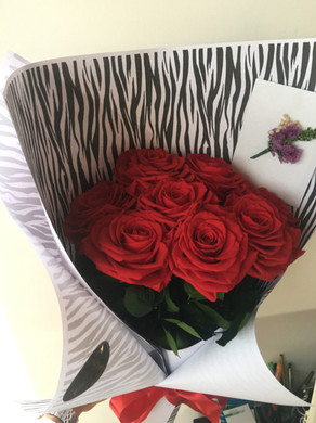 ramo 12 rosas premium unicolor $295.000.