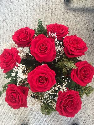 Ramo 9 rosas premium $225.000 (3) LIV.jp