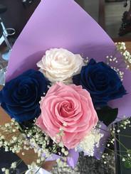 Ramo 4 rosas Premium cuatro colores $125