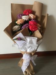 Ramo 12 rosas premium $295.000.JPG