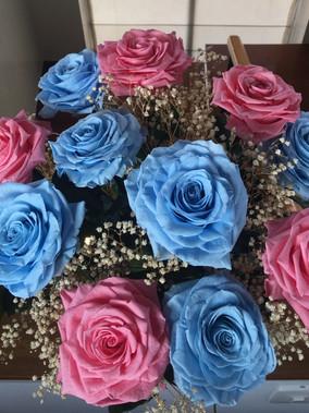ramo 12 rosas premium con Gypso 310.000.