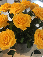 Ramo 9 rosas Premium $225.000 (2).jpg
