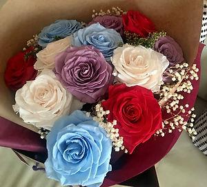 Ramo 12 rosas 4 colores $295.000 LIV.jpe