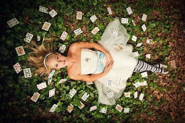 Фотосессия «Алиса в стране чудес».