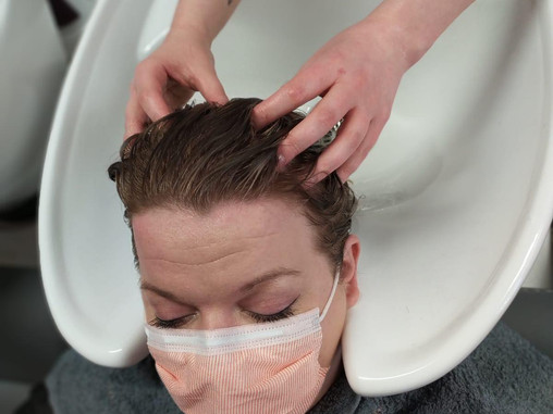 Why is a Hairdressers Head Massage so Good?