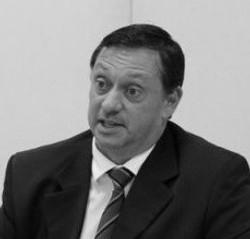 Dr. Erik Carbonari