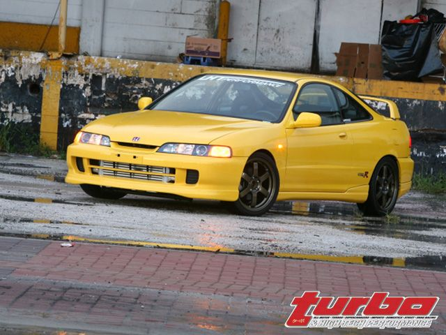 0802_turp_17_z+2001_acura_integra_type_r+left_front_view