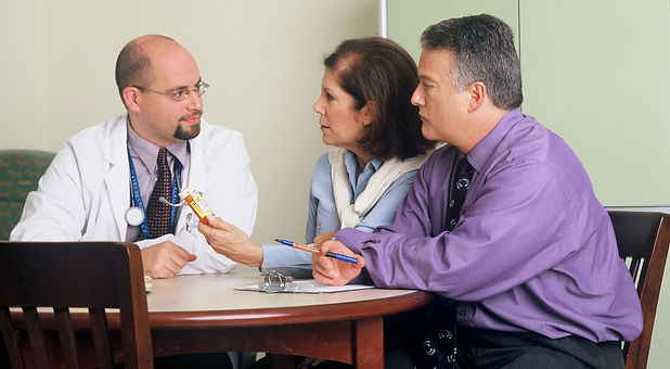 Doctor_and_couple_talking_(1).jpg