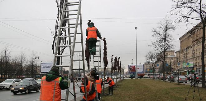 """Работники """"Южного"""" готовят зеленые насаждения к весне"""