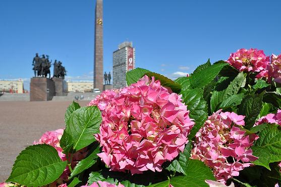 Петербург украшают ко Дню Победы