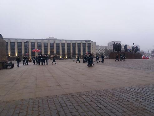 Траурные церемонии возложения венков и цветов на площади Победы
