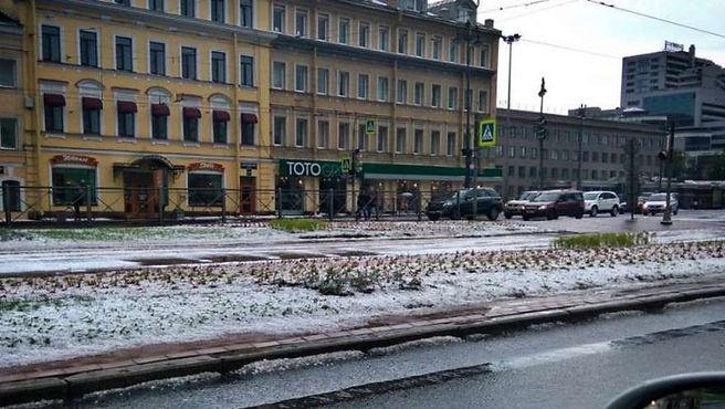 В Московском районе прошел град
