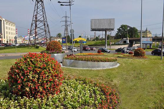 Новые цветники на Лиговском проспекте