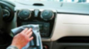 alquiler-de-coches-con-pepecar-limpiar-c