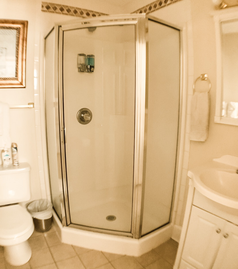 2nd floor Bathroom .jpg