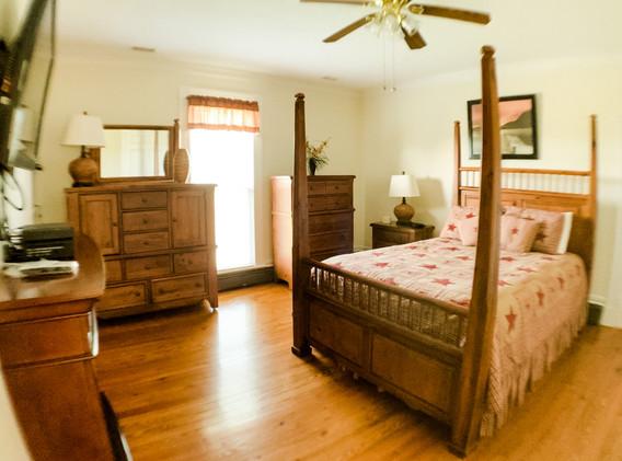 Bedroom 3 upstairs.jpg