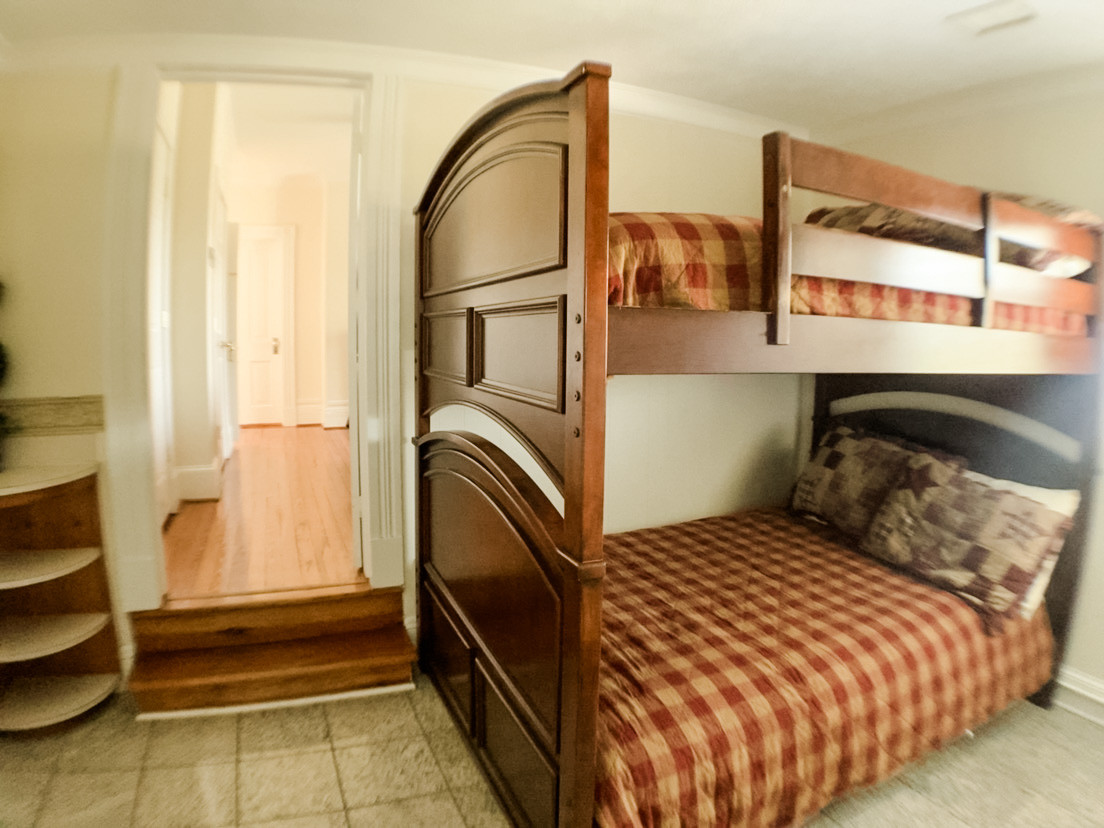 Bunk bed bedroom 4 upstairs.jpg