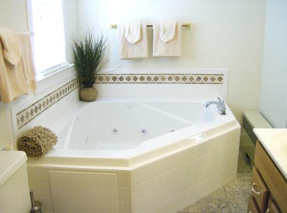 Bathroom off bedroom 4