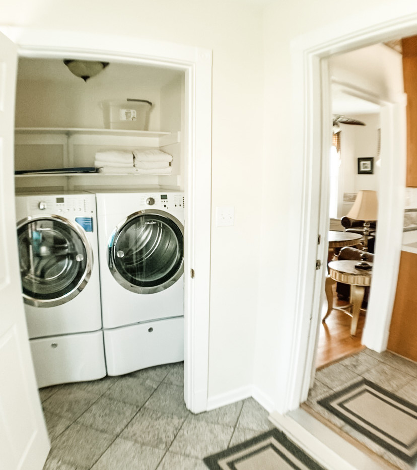 Mud room washer dryer.jpg
