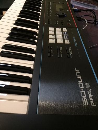 Roland JunoDx Keyboard for hire