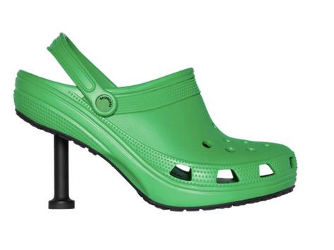Kolaborasi Balenciaga dan Crocs Mendapatkan Hinaan Dari Publik