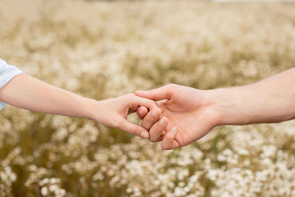 supersize holding hands.jpg