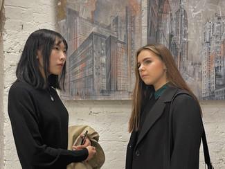 Наши студенты на кураторской экскурсии Петра Баранова по выставке «ПЕРЕЗАГРУЗКА. Новый взгляд»