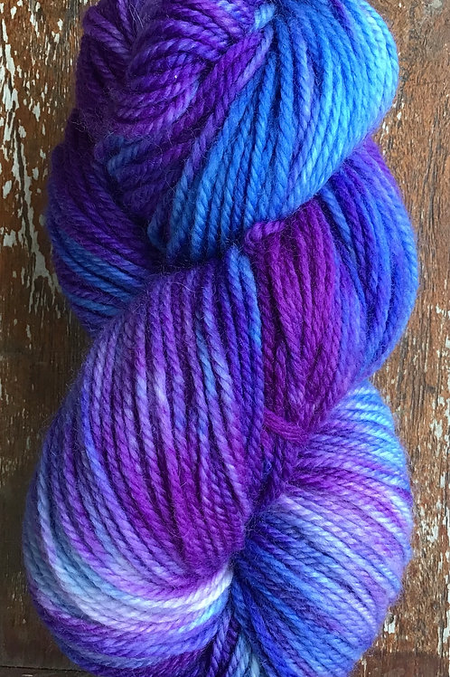 Blue iris 8ply 100 g pure Australian wool