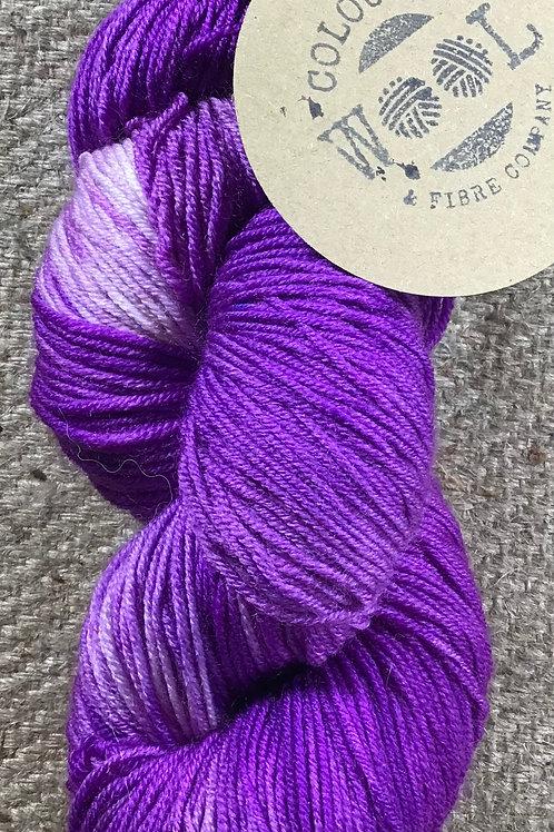 Precious purple Steam dyed merino 4 ply 100 g