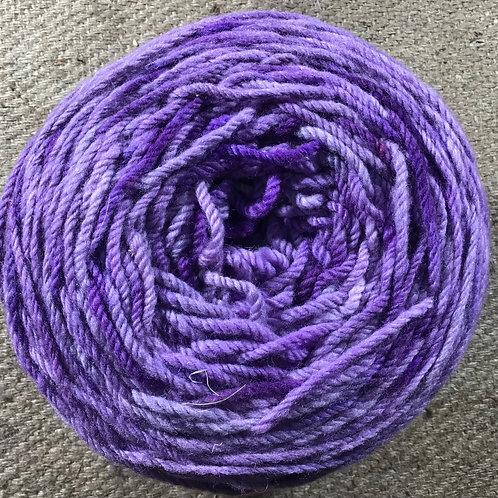 Lilac 8 ply Polwarth yarn 200 g