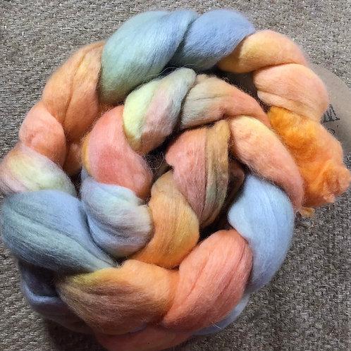 #210 steam dyed merino roving 100 g
