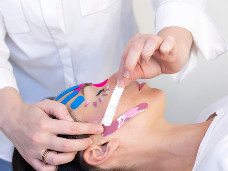 Kinesiologisches Face-Taping