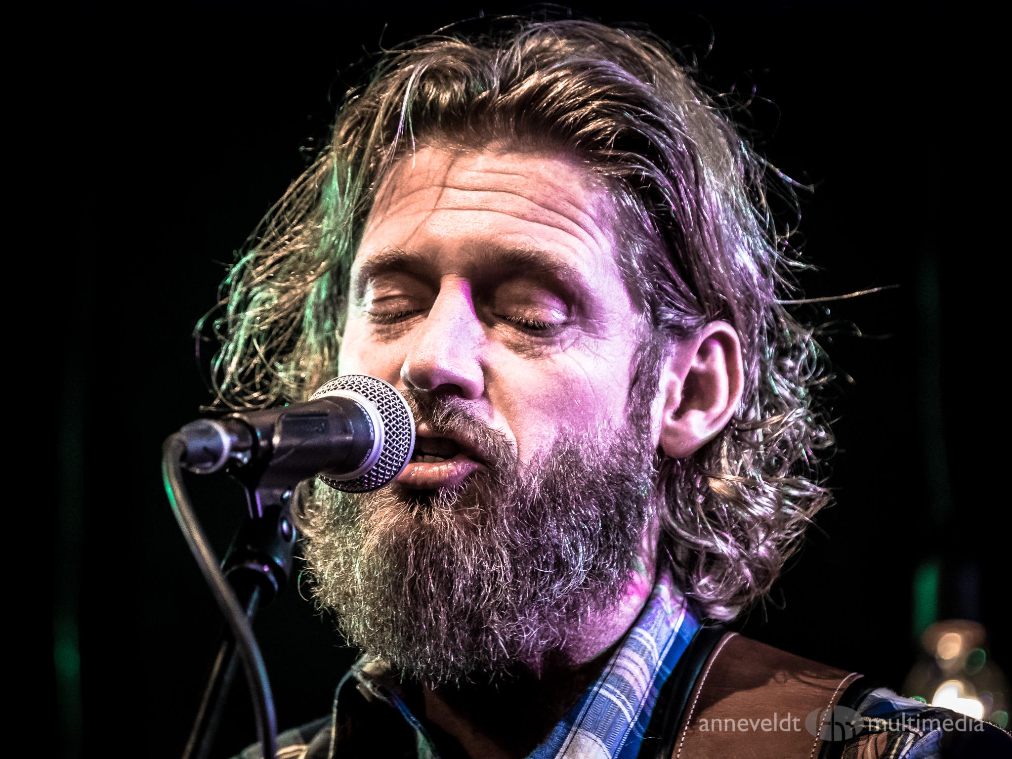 Singer Songwriter Sunday #5 in de pu